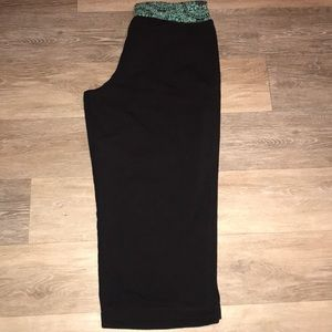 Pants - Active cropped pants. Size Medium